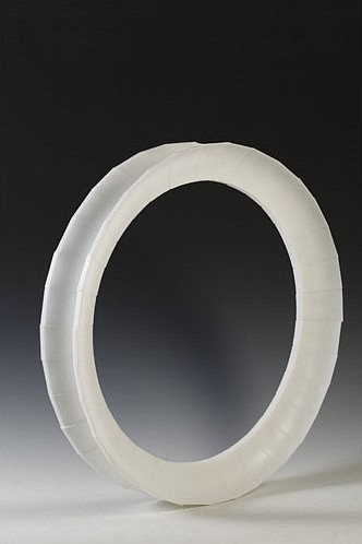 Daniel Clayman, Circular Object Three 2008, Glass
